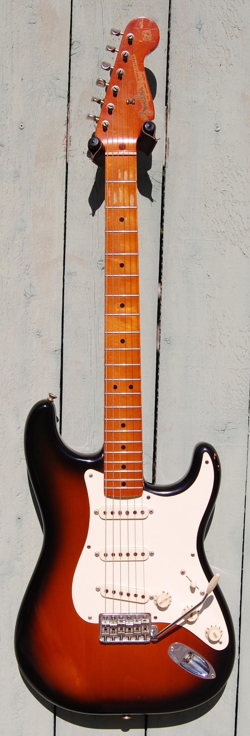 1982 Fender Vintage '62 reissue