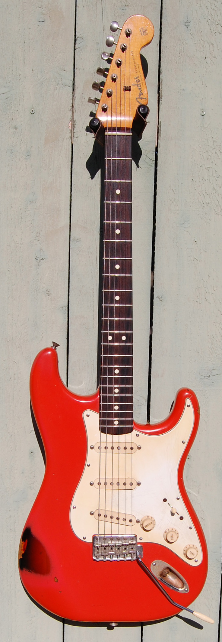 1983 aVRI '62 strtocaster